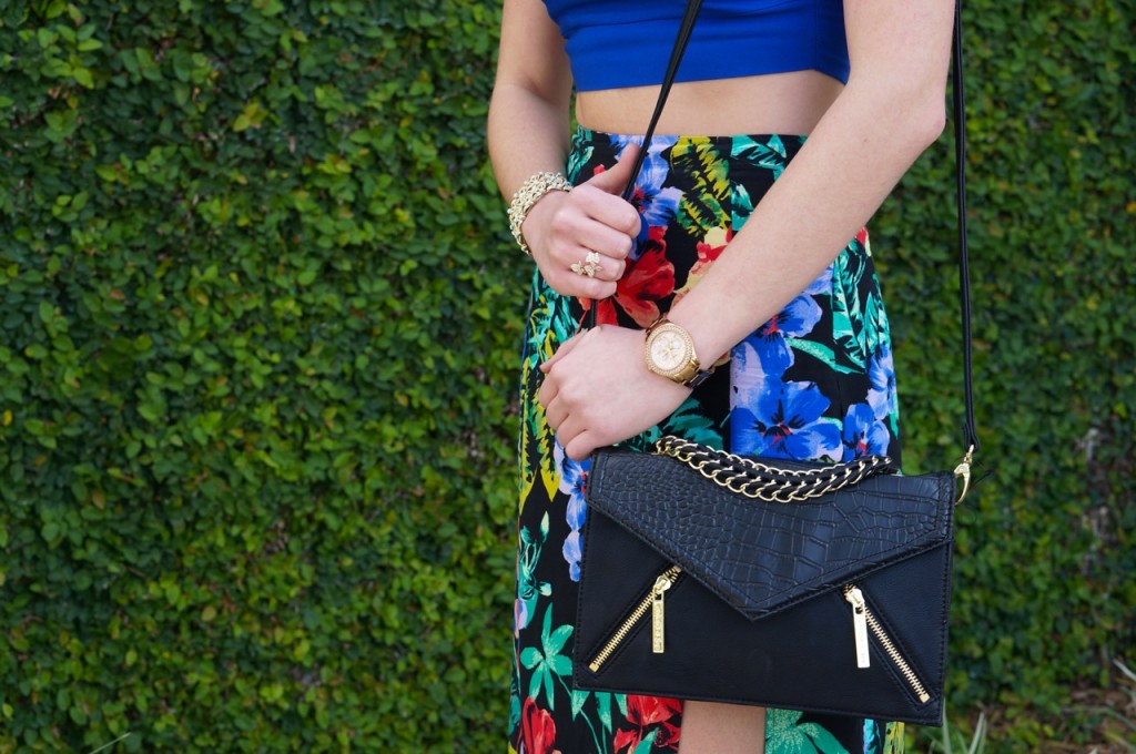 olivia-and-joy-black-and-gold-purse