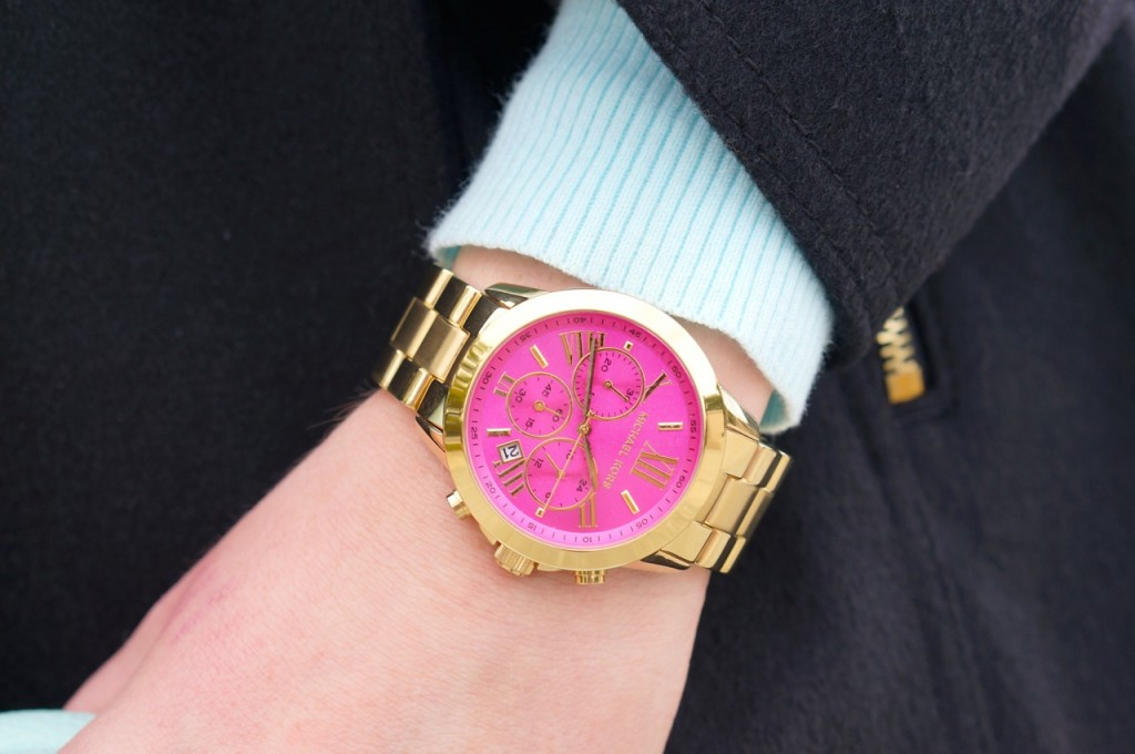 micharel-kors-pink-and-gold-watch